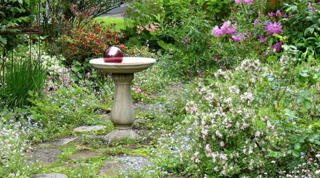 Bird Bath With Reflective Gazing Ball